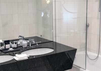 Bathroom Classic Room