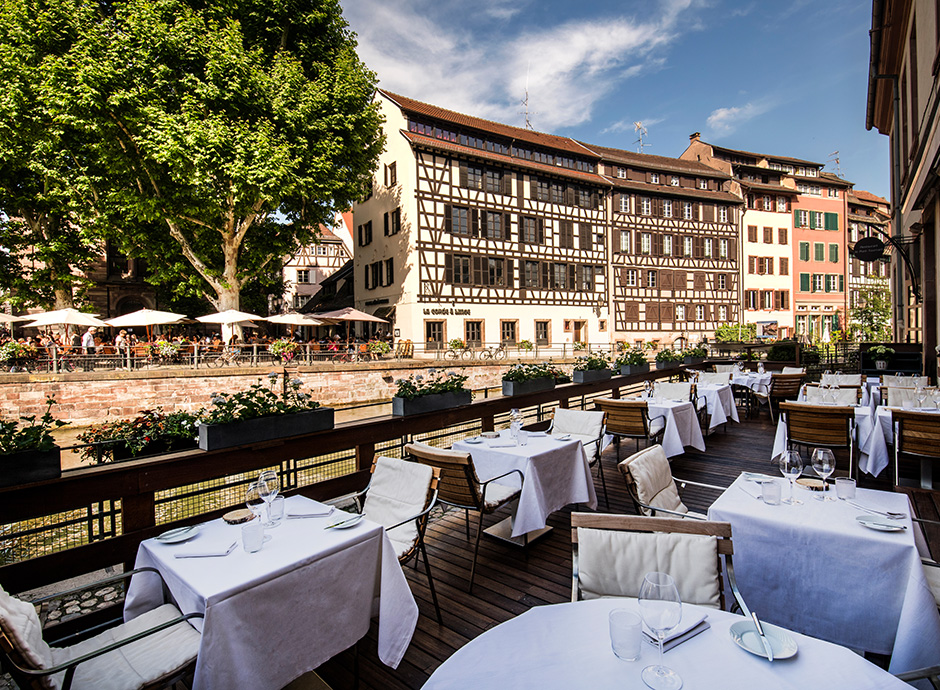 7-2-Restaurant-Le-Pont-Tournant_dining_terrasse-1-©ZVARDON_HD